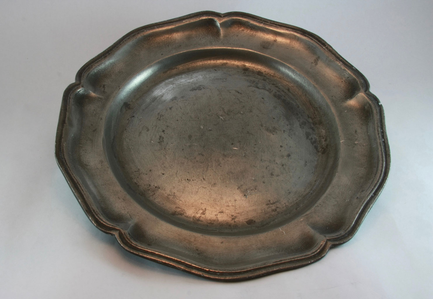 Antique Pewter Plates : Vintage pewter plate maddie and marie